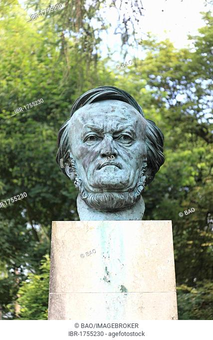 Richard Wagner bust in the park in front of the Bayreuth Festspielhaus or Bayreuth Festival Theatre, Bayreuth, Upper Franconia, Bavaria, Germany, Europe