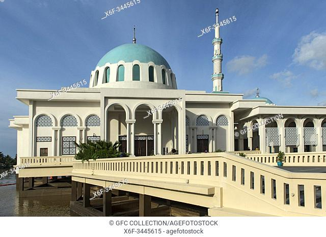 Kuching Floating Mosque, Masjid Terapung, the Sarawak River Waterfront, Kuching, Sarawak, Borneo, Malaysia