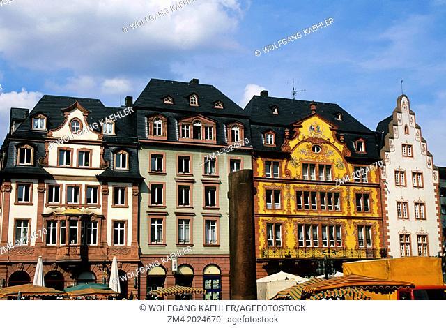 GERMANY, MAINZ, MARKET SQUARE, HOUSES