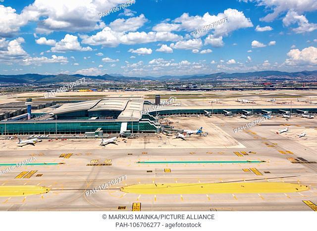 Barcelona, Spain - June 11, 2018: Aerial photo of Barcelona airport in Spain. | usage worldwide. - Barcelona/Spain