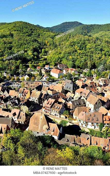 France, Haut Rhin, Alsace Wine Road, Kaysersberg, town view, half-timbering houses