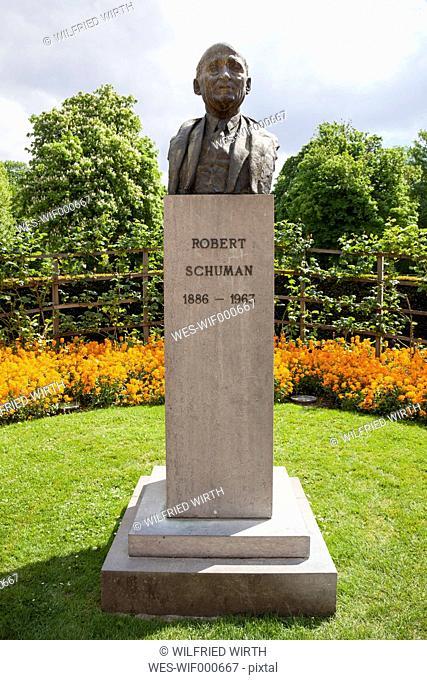 Belgium, Brussels, Parc du Cinquantenaire, Bust of Politician Robert Schumann
