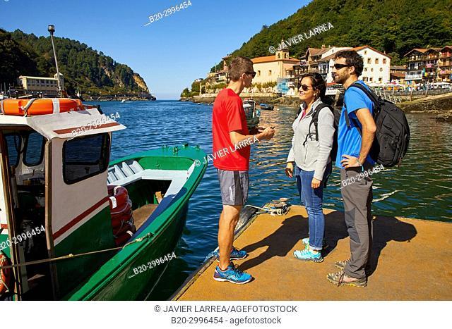 Group of tourists and guide, Boat tour, Pasai Donibane, Pasajes de San Juan, Gipuzkoa, Basque Country, Spain, Europe