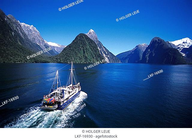 Ship, Milford Sound, Fiordland National Park, South Island, New Zealand