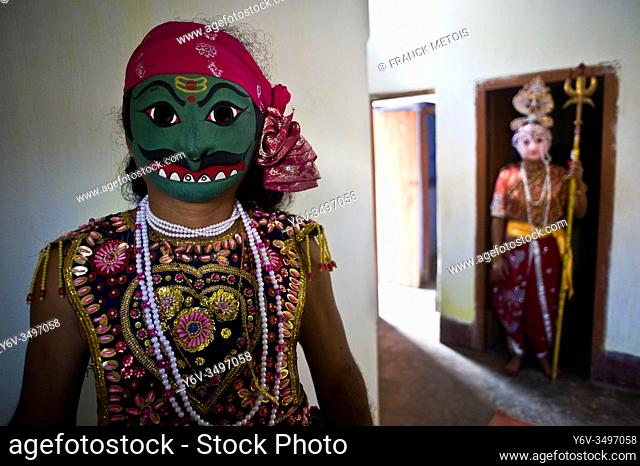 Seraikela Chhau dancers ( Jharkhand, India). He is playing the role of a ''rakshasa'' ( demon). In the background, another dancer is playing the role of the...