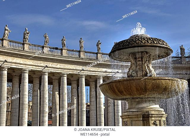 Colonnade in St  Peter's Square in the Vatican  Above the 284 in 71 rows of four columns arranged there are 140 statues of saints