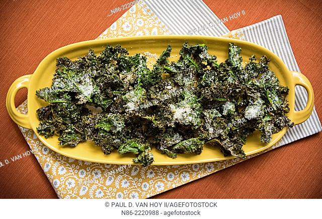 parmesan kale chips preparation