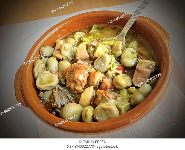 Habas a la catalana. Broad beans with sausages. Catalan typical dish