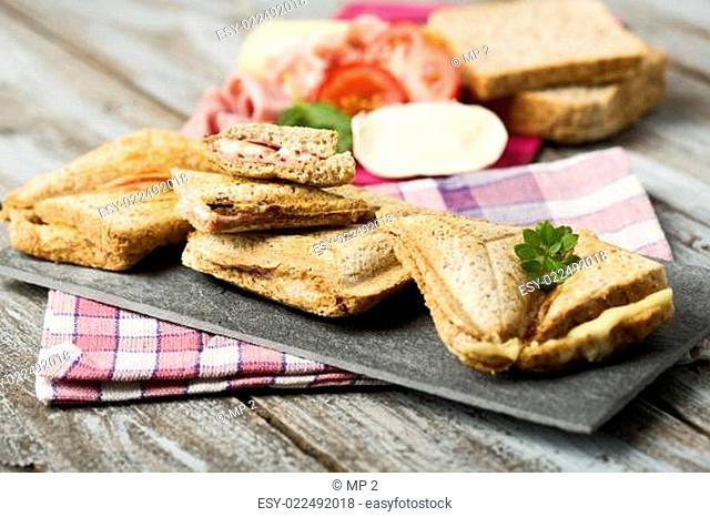 Schinken-Käse Toastbrote