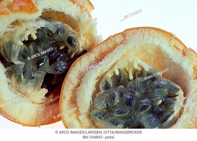 Sweet Granadilla fruit (Passiflora quadrangularis)