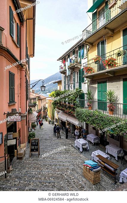 Street 'Salita Serbelloni' with shops and restaurants, Bellagio, Lake Como, Province of Como, Lombardy, Northern Italy, Italy, Southern Europe, Europe