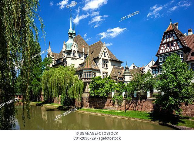 Lycée des Pontonniers international high school Strasbourg Alsace France