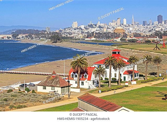United States, California, San Francisco, Golden Gate National Recreation Area, the Golden Gate promenade at Crissy Field east of the Golden Gate Bridge