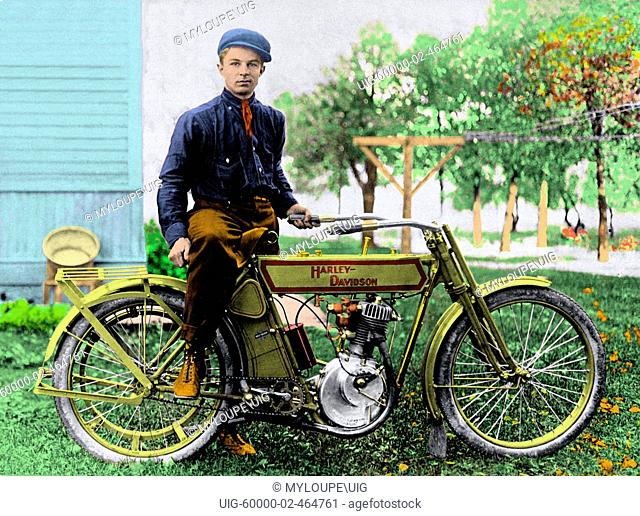 1906-1914 Harley Davidson Single Cylinder Motorcycle and Rider. Photo taken in Iowa. A lot of American companies attempted to get into the motorcycle business...