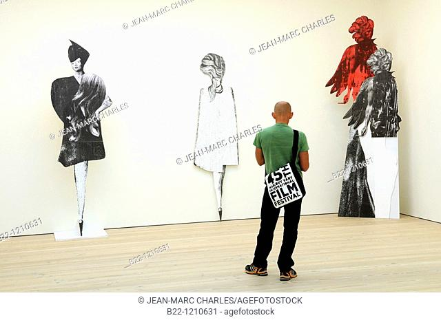 Clare Stephenson's sculptures, The Saatchi Gallery, contemporary art gallery in Chelsea, Sloane Square, London. United Kingdom