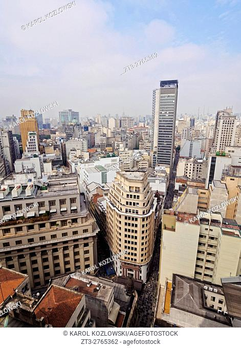 Brazil, State of Sao Paulo, City of Sao Paulo, Cityscape viewed from the rooftop terrace of the Martinelli Building