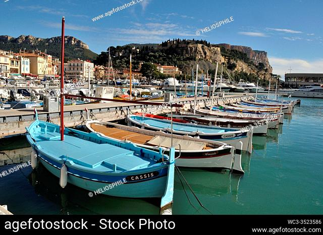 Wooden row boats in Cassis