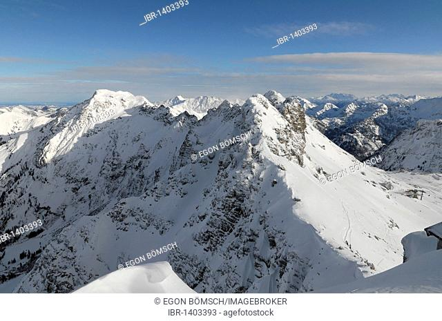 Mountain panorama from the summit, Nebelhorn, 2224m, Oberstdorf, Allgaeu, Bavaria, Germany, Europe