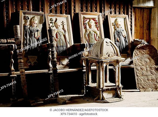 Iglesia del monasterio de San Pedro de Montes.S.XI y XII.Montes de Valdueza.Valle del Silencio.León.Castilla y León.España