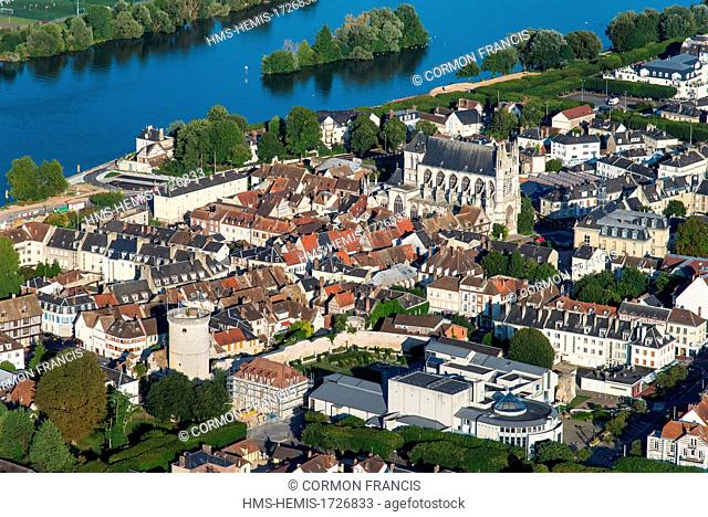 France, Eure, Vernon, along the Seine (aerial view)