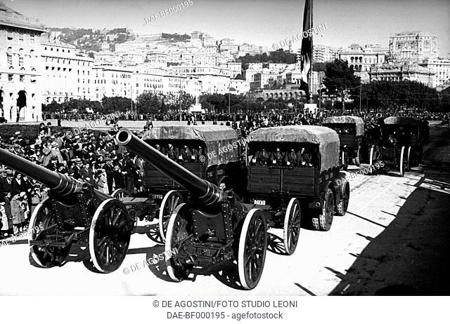 Gun trucks, Italian troops on parade, November 11, 1936, Genoa, Italy, 20th century. Genoa, Foto Studio Leoni