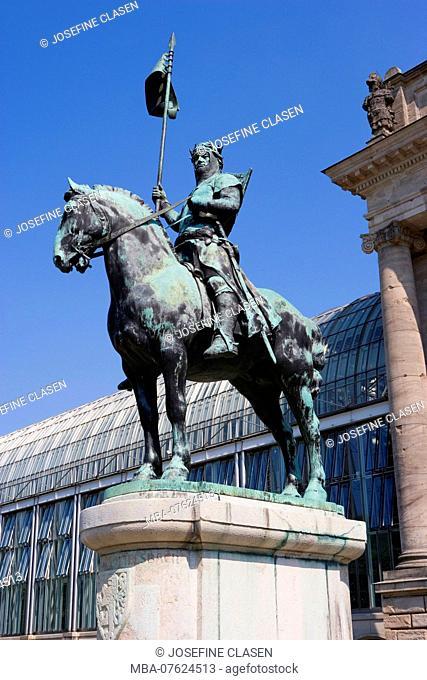 Statue Otto von Wittelsbach in front of the Bavarian state chancellery in Munich