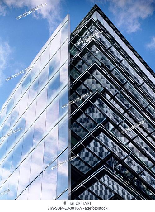 10 EXCHANGE SQUARE, BROADGATE, APPOLD STREET, LONDON, EC2 MOORGATE, UK, SKIDMORE OWINGS & MERRILL INC, EXTERIOR, BUILDING PEAK