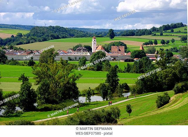 Germany, Bavaria, Altmuehl Valley, Dollnstein, bicycle lane at Altmuehl river
