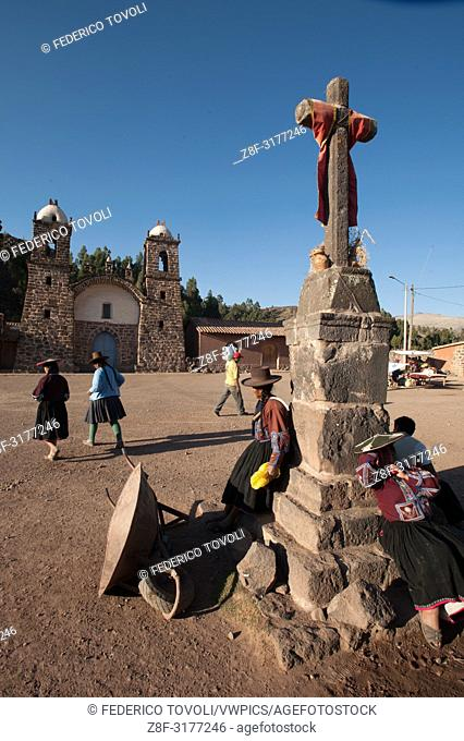 Near the border with the department of Puno, Raqchi is the impressive archaeological site through its entire length from Collasuyo
