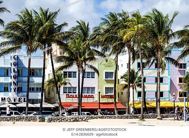 Florida, Miami Beach, Ocean Drive, Art Deco Historic District, Lummus Park, palm trees, Colony Hotel, Boulevard Hotel, Starlite, hotel