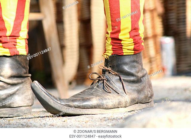 Medieval footwear - Medieval footwear
