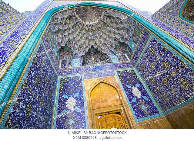 Entrance iwan. Shah Mosque. Naghsh-e Jahan Square. Isfahan, Iran. Asia