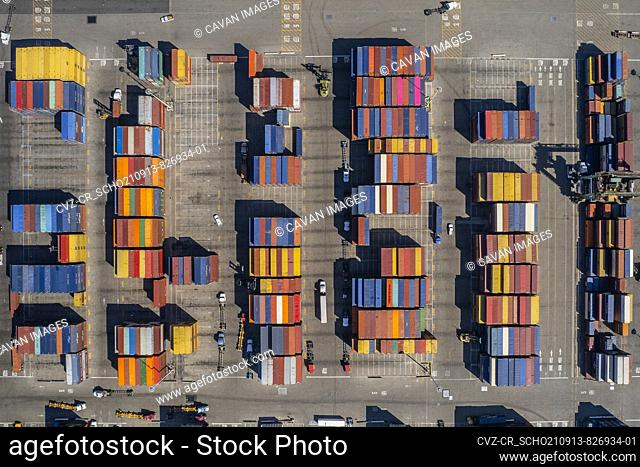 Port shipping containers from above