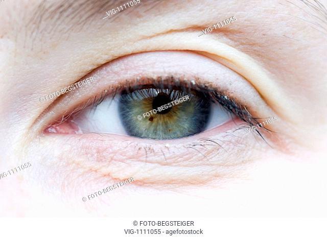eye of a woman - 14/01/2009