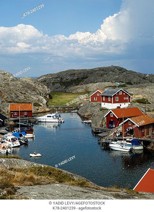 Timber houses, Vaderoarna, (The Weather Islands) archipelago, bohuslan region, west coast, Sweden