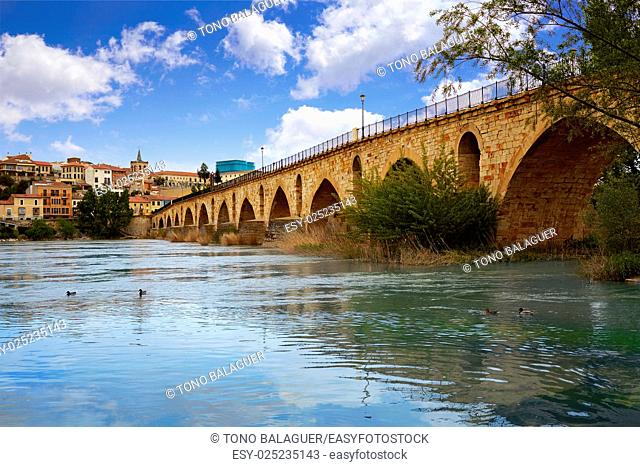 Zamora Puente de Piedra stone bridge on Duero river of Spain