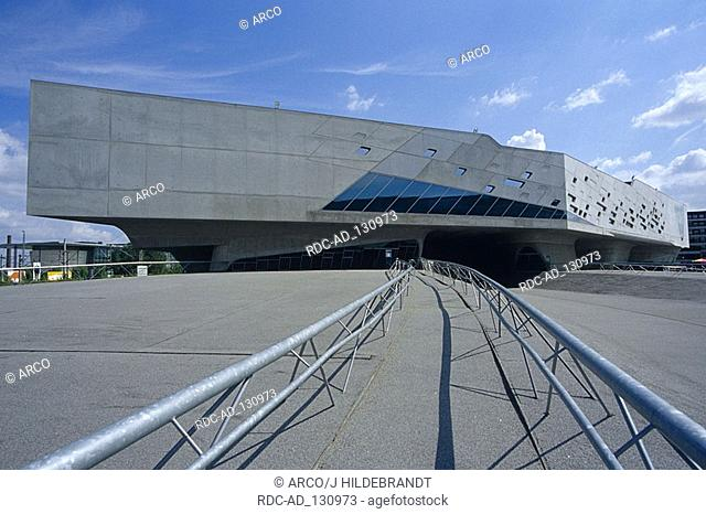 Phaeno Science Center Wolfsburg Lower Saxony Germany architect Zaha Hadid Deconstructivism