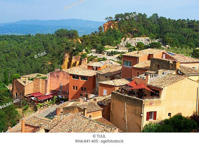Roussillon village, Luberon, Vaucluse, Provence, France, Europe