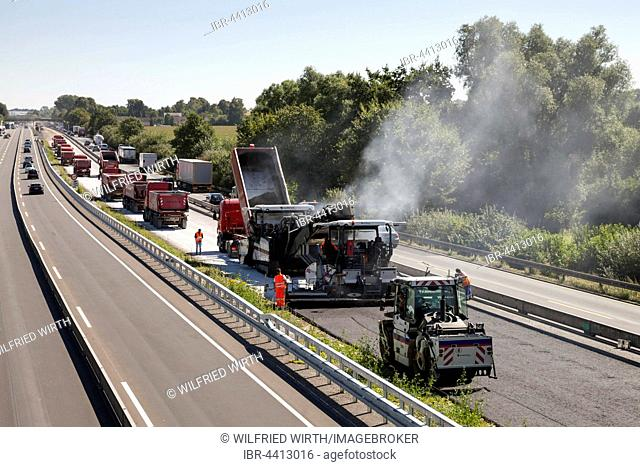 Asphalting new road surface, highway construction site of the A2 between Dortmund and Kamen, North Rhine-Westphalia, Germany