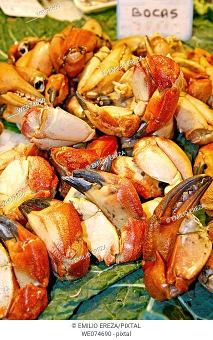 Crab claws for sale at La Boqueria market, Barcelona. Catalonia, Spain