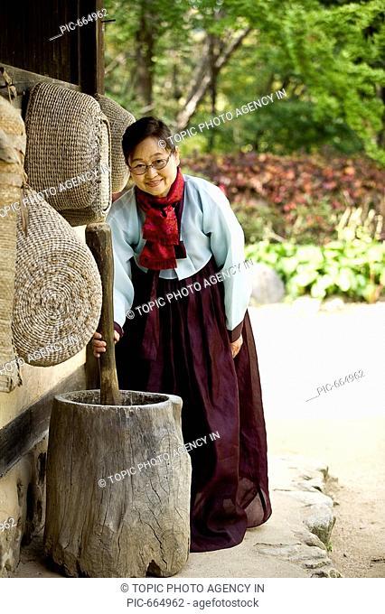 Korean Woman in Hanbok,Korean Traditional Costume