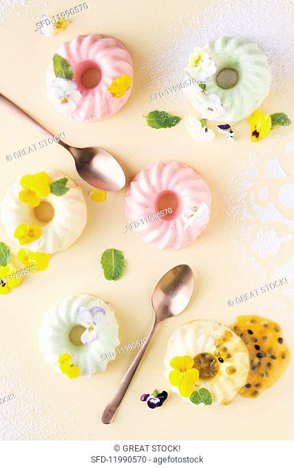 Coloured marshmallow puddings