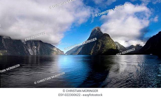 Mitre Peak im Milford Sound in Neuseeland