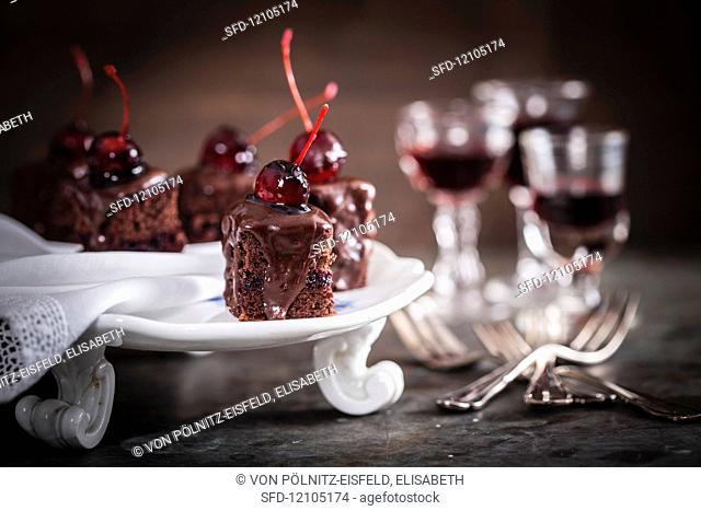 Black Forest gâteau cubes