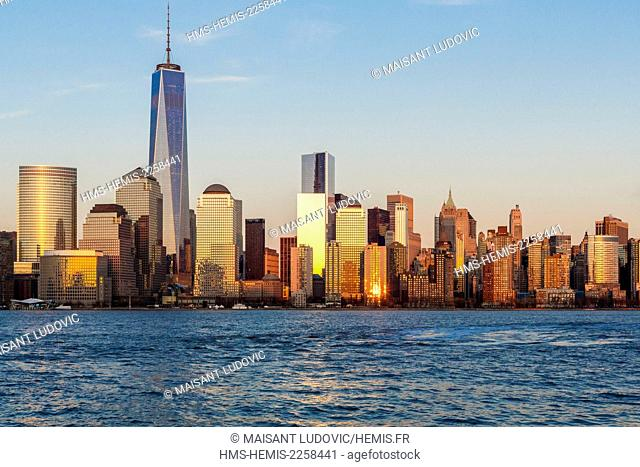United States, New York, seen from New Jersey over the Hudson River with the background to the Financial District district (Manhattan) and One World Trade...