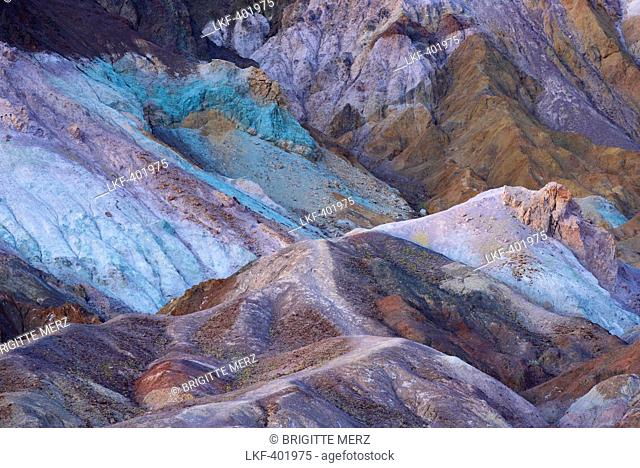 Colourful rock formation of the Artists Palette, Artists Drive, Death Valley National Park, California, USA, America