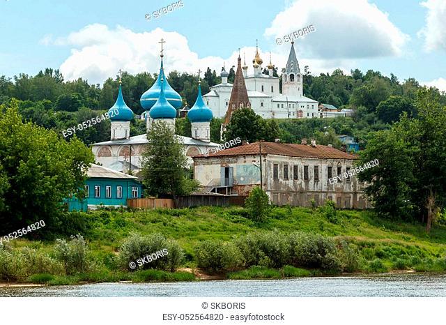 Gorokhovets, Vladimir region. The monastery Svyato-Troitse-Nikolsky on the Puzhalova mountain and Annunciation Cathedral