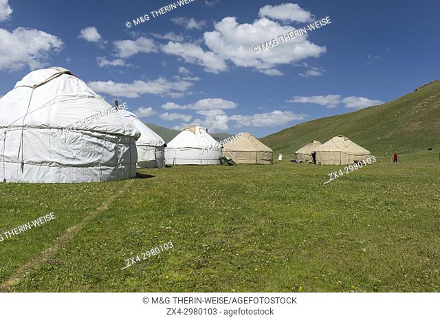 Nomad yurts, Road to Song Kol Lake, Naryn province, Kyrgyzstan, Central Asia