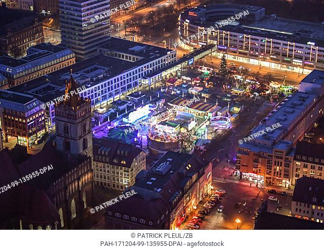 Picture of the brightly lit streets and squares of downtown Frankfurt (Oder), Germany, taken 02 December 2017. St. Mary's Church and its Christmas Market can be...