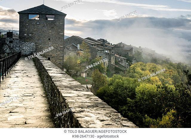 Aínsa Castle. Huesca province, Aragón. Spain
